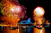 FW106 Fireworks, Sydney Harbour, New Years Eve